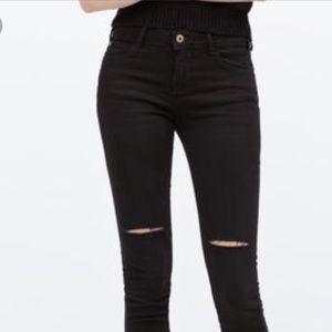 Zara Basic Z1975 Ripped Knee Black Jeans